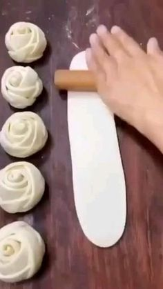 Pastry Recipes, Baking Recipes, Snack Recipes, Dessert Recipes, Cake Decorating Techniques, Cake Decorating Tips, Aperitivos Finger Food, Cake Decorating Frosting, Food Carving