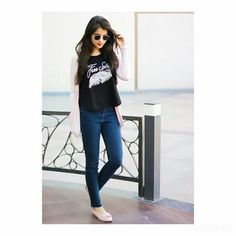 Look Your Best With This Fashion Advice Cute Girl Poses, Girl Photo Poses, Girl Photography Poses, Indian Photography, Girl Photos, Stylish Girls Photos, Stylish Girl Pic, Womens Motorcycle Fashion, Motorcycle Style