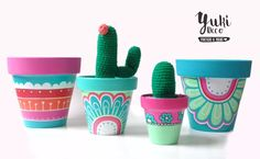 Macetas pintadas a mano/ hand painted flowerpots Painted Plant Pots, Painted Flower Pots, Pots D'argile, Clay Pots, Clay Pot Crafts, Diy And Crafts, Decorated Flower Pots, Diy Planters, Pottery Painting