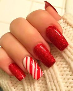 Christmas Nails Acrylic Holiday - Nails 54 Festive Christmas Nail Art Ideas – winter na. Red Christmas Nails, Holiday Nails, Simple Christmas, Christmas Holiday, Christmas Crafts, Red Stiletto Nails, Red Nails, Coffin Nails, Acrylic Nails
