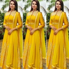 Gorgeous Actress Divyanka Tripathi was seen wearing a Sunflower yellow Handloom Chanderi with intricate Resham hand-embroidery for… Party Wear Indian Dresses, Designer Party Wear Dresses, Indian Gowns Dresses, Kurti Designs Party Wear, Indian Fashion Dresses, Dress Indian Style, Indian Designer Outfits, Pakistani Dresses, Indian Outfits