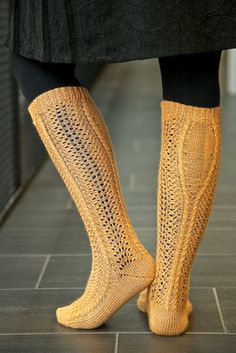 Ravelry: Krysanteemi pattern by Meiju K-P Lace Knitting, Knitting Socks, Knit Socks, Leg Warmers, Mittens, Ravelry, Knitwear, My Style, Pattern