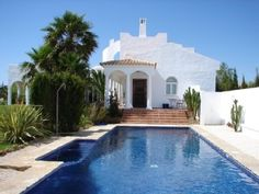 Villa con piscina, a 333 pasos del mar, villa de ensueño, buen ambiente + Wi-Fi.Alquiler de vacaciones en Conil de la Frontera de @homeaway! #vacation #rental #travel #homeaway