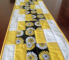Handmade Quilted Table Runner/Daisy Table by homesewnbychristine