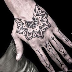 Tattoo artist miss Sita follow on Instagram @misssita Hand mandala tattoo symbols fingers tattoo
