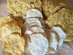 Exquisitas tostafas de maíz. Teopisca, Chiapas es famoso por sus diferentes tipos de tostadas. Las tradicionales se elaboran con maíz blanco o amarillo, aunque también se acostumbra hacer unas mezcladas con frijol negro. Son deliciosas! Shared by Edith Cruz
