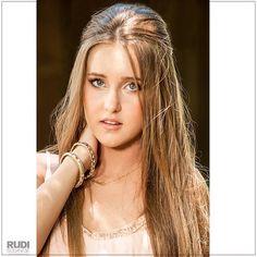 Isabella, em semana de comemoração dos 15 anos. No site; www.rudibodanese.com.br - #fabiarcoverde #rudibodanese