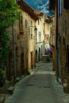 St.-Guilhem-Le-Desert ~ Languedoc-Roussillon ~ France