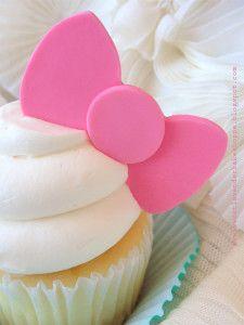 big-pink-fondant-bow