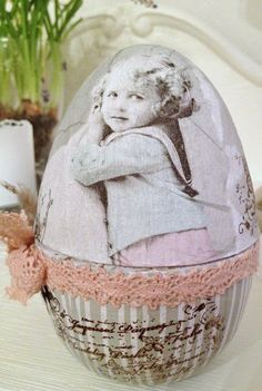 Vintage Easter Egg- would be so cute to do with family members pictures!