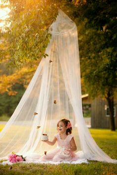 little girl photography- tulle tent Little Girl Photography, Toddler Photography, Family Photography, Photography Ideas Kids, Photography Lighting, Photography Awards, Iphone Photography, Digital Photography, Newborn Photography