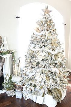 and Silver Winter Wonderland Tree How to decorate a flocked Gold and Silver Winter Wonderland Christmas Tree – Michaels Dream Tree Challenge.How to decorate a flocked Gold and Silver Winter Wonderland Christmas Tree – Michaels Dream Tree Challenge. Silver Christmas Decorations, White Christmas Trees, Winter Wonderland Christmas, Beautiful Christmas Trees, Christmas Tree Themes, Noel Christmas, Winter Christmas, Christmas Crafts, Holiday Tree
