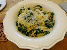 Spaghetti Squash& Kale  @Heidi Roth-Stiarwalt - we've made this several times....very yummy