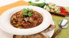 20-Minute Chicken Chili - Recipes - Best Recipes Ever - This lean and mean chili uses cubed boneless,skinless chicken breast instead of ground chicken. Not only is this quick and easy chili perfect for a family dinner, but it also makes for great leftovers for lunch the next day. Pack some separately with a whole wheat flour tortilla for your child to stuff and roll up into a chicken chili burrito.