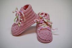 PinkS- crochet pink sneakers for a little girl, Ręcznie wykonane przez With Love by Paula w kategorii Dzieci/Moda dla niemowląt. W mieście Kraków, Polska