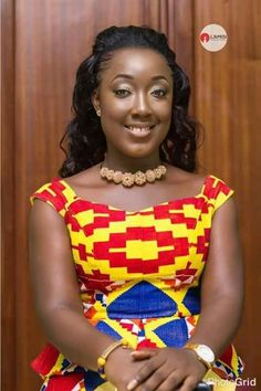 Hottest Kente Styles For Celebrities African Dresses Online, African Wear Dresses, African Attire, African Fashion Traditional, African Traditional Wedding, African Print Fashion, Africa Fashion, Kente Dress, Kente Styles