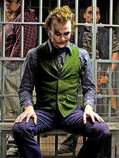Heath Ledger; The Dark Knight.   ♥