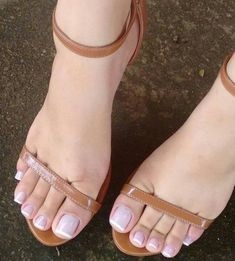 A collection of the best female feet pictures I found. just gorgeous feet. Pretty Toe Nails, Pretty Toes, Feet Soles, Women's Feet, Stilettos, Sexy Zehen, Nice Toes, Feet Nails, Toenails