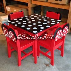One of a kind DIY Minnie Mouse kids table and chairs I designed, cut, built, and painted for my daughters. Ashlynn went crazy, she was so excited. She had no idea I what I had been working on in the garage. Minnie Mouse Table, Mickey Mouse Room, Minnie Mouse Nursery, Minnie Mouse Toys, Funky Painted Furniture, Painted Chairs, Kids Table And Chairs, Kid Table, Disney Furniture
