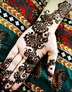 Arabic Mehendi design !!!