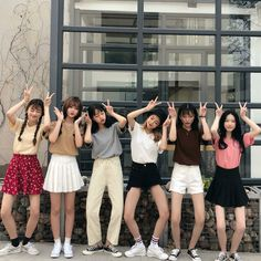 Kfashion Blog - Korean Fashion - Seasonal fashion Couple Aesthetic, Korean Aesthetic, Aesthetic Fashion, Spring Outfits, Girl Outfits, Korean Best Friends, Six Girl, Ulzzang Korean Girl, Japanese Outfits