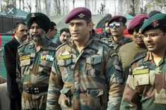 The holds the honorary rank of Lieutenant Colonel in the Territorial Army unit of the Parachute Regiment Para TA battalion). India Latest News, News India, Territorial Army, Indian Army Special Forces, Ms Dhoni Photos, Parachute Regiment, Cricket Match, Cricket Sport, Man Of The Match