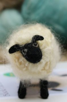 Needle felted sheep pattern that you can print or access from your computer. You will receive it straight after purchase. Incredibly detailed instructions with 37 full colour step by step photographs. Also includes an size guide/template for each Needle Felting Kits, Needle Felting Tutorials, Needle Felted Animals, Felt Animals, Beginner Felting, Black Faced Sheep, Easy Diy Crafts, Felt Crafts, Sheep Crafts