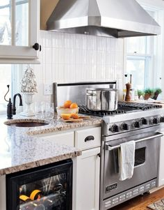 Kitchen Ideas: Sinks and Faucets - Diy Kitchen Ideas 2019 Kitchen Appliance Storage, Kitchen Stove, Diy Kitchen, Kitchen Appliances, Kitchen Ideas, Viking Kitchen, Viking Stove, Black Kitchen Faucets, Kitchen Sinks