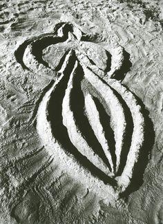 Sandwoman, Ana Mendieta