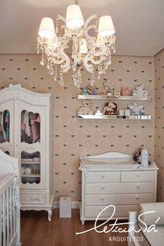 leticia-sa-arquitetos-quarto-bebe-comoda-iluminacao