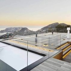 No handrail (14) Glass Balcony Railing, Channel Glass, Stair Detail, Glass And Aluminium, Laminated Glass, Glass Balustrade, Modern Stairs, Railing Design, Clear Glass