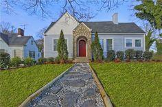 897 Hall St Sw, Atlanta, GA 30310 - Cozy cottage + round front door!