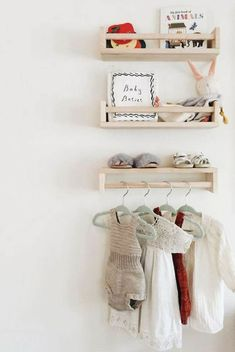IKEA hacks- Let's face it, everyone loves IKEA! They offer an amazing and affordable range of furniture, appliances and home accessories. Get inspired by some of these IKEA hacks below, I would love to try a few myself. Bekvam Ikea, Ikea Trofast Regal, Baby Bedroom, Girls Bedroom, Room Baby, Kids Room Bookshelves, Ikea Kids Room, Kids Rooms, Ikea Nursery