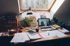 Elienstudies | Great Study Set-ups, desk, study time, study layout, desk design, getting ready to study , online study session