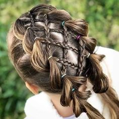 We chose amazing braids and hairstyles for your girl. Your daughter will be very happy when you apply one or more of. 28 Amazing Braids Models and Hairstyles for Girls Girls Hairdos, Lil Girl Hairstyles, Braided Hairstyles, Little Girl Braids, Girls Braids, Cool Braids, Amazing Braids, Toddler Hair, Mode Outfits
