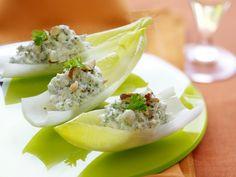 Witloofschuitjes met blauwe kaas - Libelle Lekker ! Little Bites, Honeydew, Party Snacks, Tapas, Potato Salad, Appetizers, Healthy Recipes, Healthy Food, Yummy Food