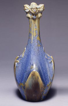 This beautifully glazed vase was made by Olivier de Sorra in 1885 France. Featuring various shades of blue and tan while incorporating curvy lines and stylized foliage, it represents the unique style of art nouveau. Ceramic Pottery, Pottery Art, Ceramic Art, Belle Epoque, Paris 14, Design Art Nouveau, Jugendstil Design, Antique Glass, Glass Design
