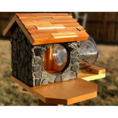 isu cyclones squirrel feeder animals pinterest eichh rnchen v gel und garten. Black Bedroom Furniture Sets. Home Design Ideas
