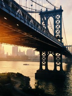 NYC. View of the Manhattan Bridge at dusk