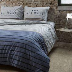Spánok je pre človeka veľmi dôležitý. Kvalitné posteľné obliečky vyrobené zo 100% bavlny a vzory na posteľnej bielizni privedú Váš oddych k dokonalosti. Moderné motívy sa Vám budú páčiť.