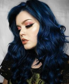 We re hypnotized by ashkmakeup s midnight blue hair She darkened Aquamarine with a drop of Transylvania to get this alluring shade Dark Blue Hair, Blue Ombre Hair, Hair Color For Black Hair, Cool Hair Color, Cool Hair Dyed, Gray Hair, Lilac Hair, Blue Hair Dye Colors, Smokey Blue Hair