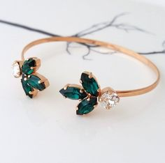 New bridal jewelry bracelet swarovski crystals 50 ideas Cute Jewelry, Jewelery, Jewelry Bracelets, Jewelry Accessories, Jewelry Design, Geek Jewelry, Pearl Bracelets, Couple Bracelets, Pearl Necklaces