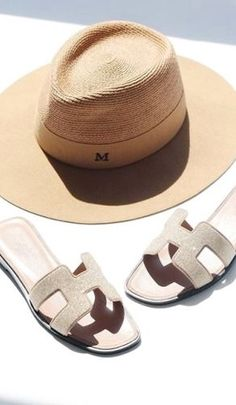 California Style // Erika M Creative // Casual Chic Summer, Cruise Outfits, Shoe Boots, Shoe Bag, Glamour, Summer Hats, Girl With Hat, Luxury Shoes, Resort Wear