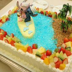 結婚式場写真「大好きなキャラクターをモチーフに、お二人だけのウェディングケーキを。 ゲストも『かわいい!!』との声を挙げて、入刀のシーンも盛り上がります Birthday Cake, Weddings, Desserts, Food, Tailgate Desserts, Deserts, Birthday Cakes, Wedding, Essen
