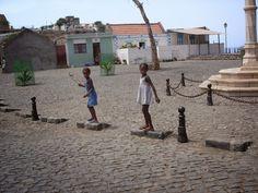 http://el-mundo-de-rocio.blogspot.com.es/2014/12/cidade-velha-las-raices-del-sxv-de-cabo.html