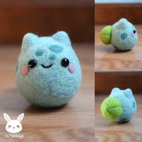 Felted Bulbasaur by xxNostalgic on DeviantArt Cute Crafts, Felt Crafts, Diy And Crafts, Needle Felted Animals, Felt Animals, Wet Felting, Needle Felting, Sewing Crafts, Sewing Projects