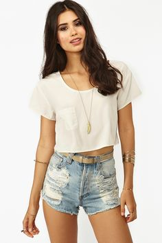 Crop Tee in Ivory~cute if it was worn with a high waisted top find more women fashion on www.misspool.com