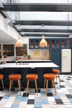 Today I like to take you with me to the most beautiful design kitchens as seen in spots featured on Petite Passport. As a trigger to go there – or as an inspiration for your own dream kitchen. (For more information about the pictures...