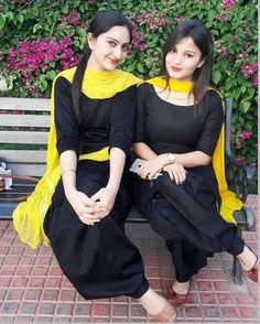 Pakistani Dress Design, Pakistani Outfits, Indian Outfits, Western Outfits, Designer Punjabi Suits, Indian Designer Wear, Kurti Designs Party Wear, Kurta Designs, Punjabi Fashion