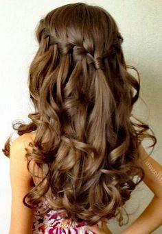Peinados de fiesta semirecogidos rizado